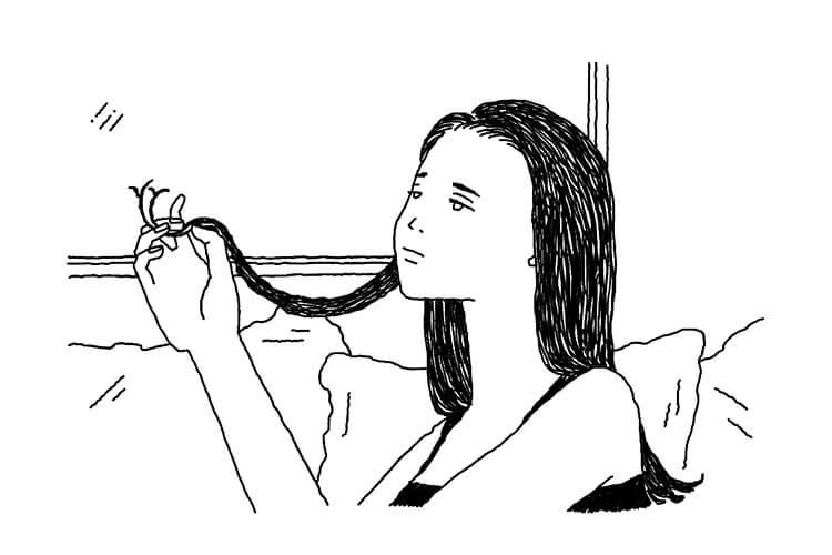毛先が気になる女性